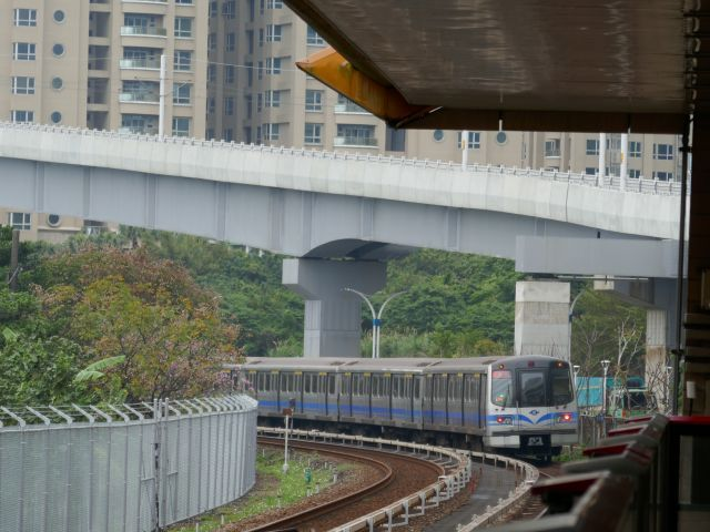 LRT_05.jpg